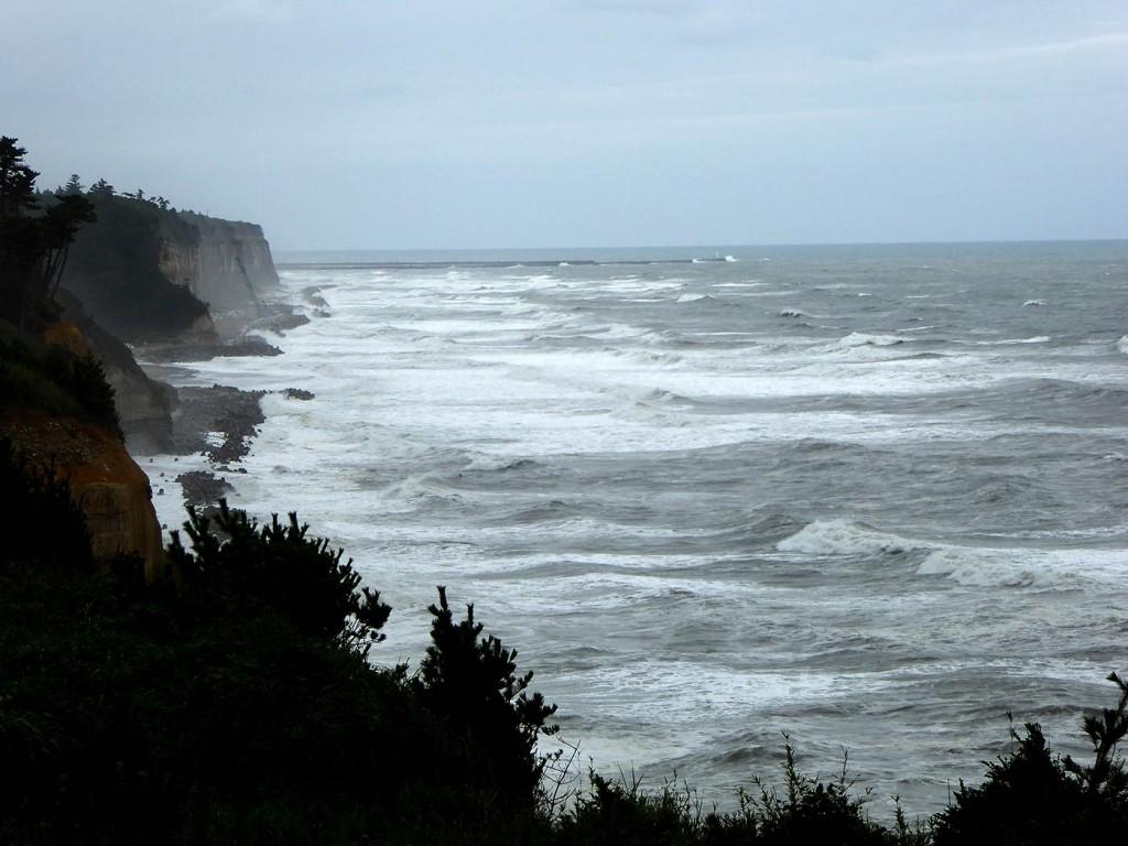 楢葉町の海岸、第二原発の突堤が見える